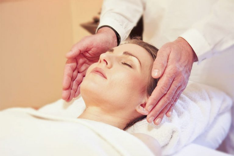 Reiki – Your Ultimate Mini Guide